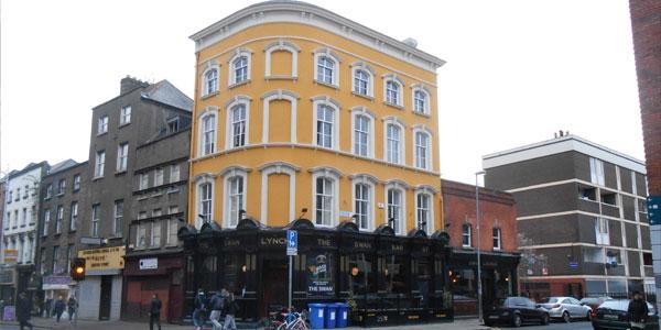 John Lynch's (The Swan Bar)